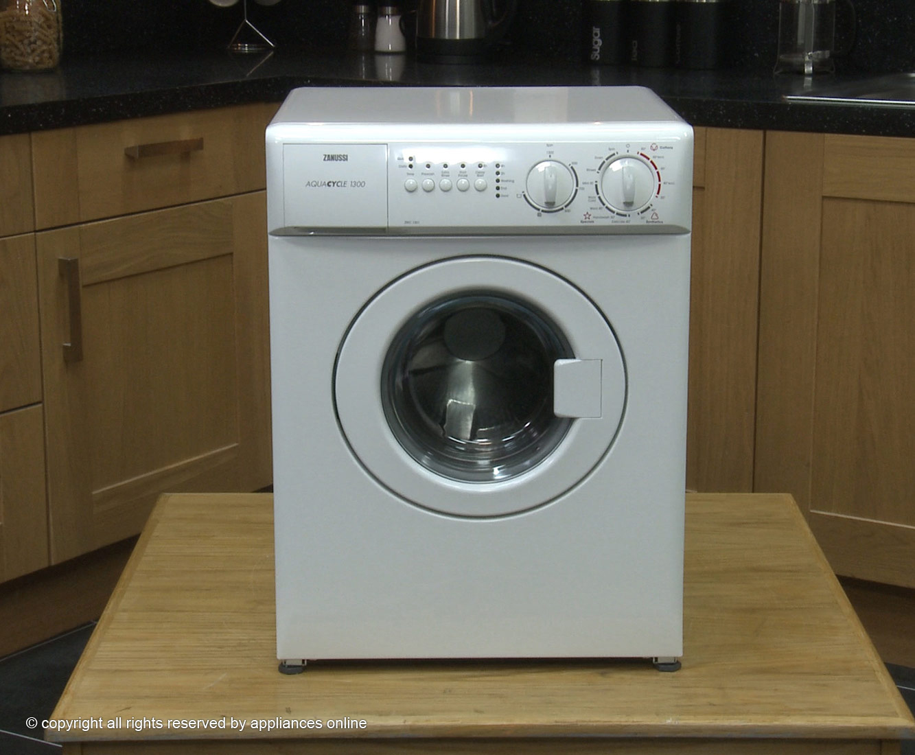 image Worlds smallest washing machine