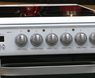 Hotpoint Ultima HUE53PS Electric Cooker - White - HUE53PS_WH - 3