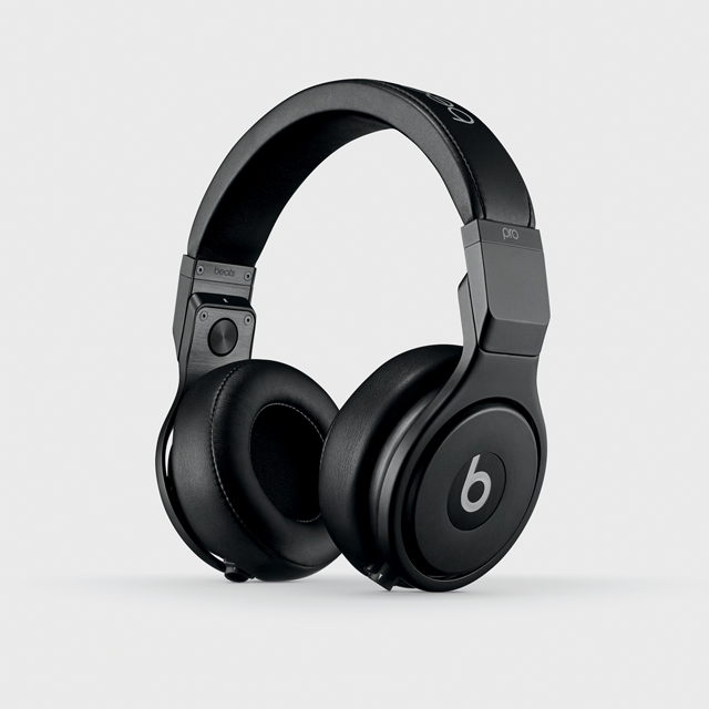Beats by Dr. Dre MHA22ZM/B Headphones in Black