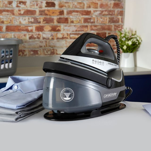 Tower T22006 Pressurised Steam Generator Iron - Black