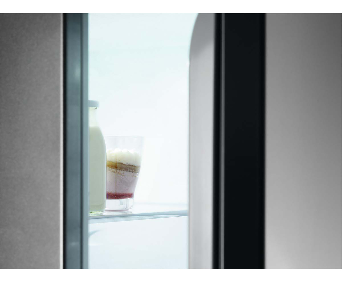 Aeg Santo Kühlschrank Lampe : Aeg santo ske88831af einbau kühlschrank 88er nische festtür